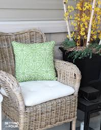 learn how to make outdoor waterproof cushions in a jiffy with this diy