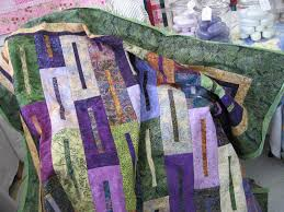 purple and green comforter this comforter is perfect for all those who want to look stylish and perfect it includes comforter matching shams