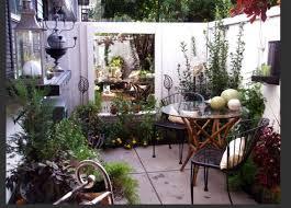 small outdoor patios courtyard gardens