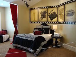Teen Girl's Movie Bedroom I need this!