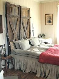 diva bedroom decor wooden door headboard antiques flea market finds room decorating ideas marke