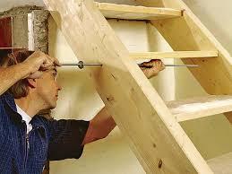 Jeder kann ein metallisches geländer selber bauen. Holztreppe Bauen Bauhaus