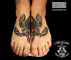 символ черепахи в полинезийской татуировке