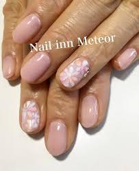 ポイントで春の花柄nail Inn Meteor大府市のネイルサロン
