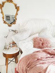 Pink White And Gold Bedroom 6 - decoratoo