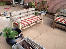 5 easy steps to turn a pallet into an outdoor patio bench 1436372736 pic 15 pallet jpg