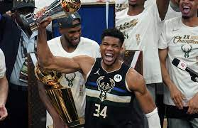 NBA: Milwaukee Bucks holen dank überragendem Giannis den Titel - watson
