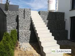Bausatz für gittermauer mit füllung aus moräne (118 cm x 12 cm x 60 cm) als sichtschutz oder trennwand mit geraden oder kurvigen aufbauten. Gabionen Garten In 2020 Gabionen Gabionen Hochbeet Gabionenwand