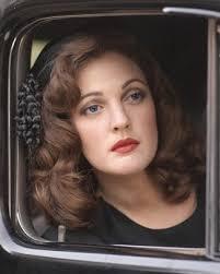 the signature 1940s red lip