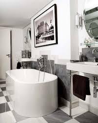 Art Deco Bathroom Accessories 30 Great Pictures And Ideas Art Nouveau Bathroom Tiles