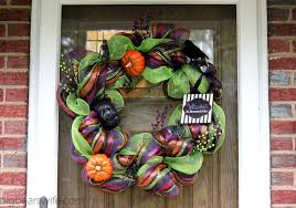 how to make a deco mesh wreath tutorial big bears wife