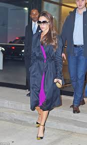trench fan victoria beckham is a supporter of the sy outerwear