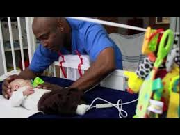 Picu Nurse Making Holidays In The Hospital Brighter Picu Nurse Chester Sings To Premature Baby