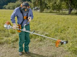 stihl weedeater fs 90. slowly lift up the brushcutter, taking care not to touch throttle trigger, unintentionally accelerating machine. stihl weedeater fs 90 s