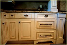 Kitchen Cabinet Pull Placement Placement Of Kitchen Cabinet Knobs And Pulls Home Design Ideas