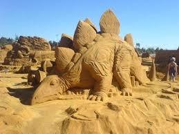 Les statues de sable  - Page 2 Images?q=tbn:ANd9GcTze9J6mC3Kb3_Wo68ZvpKKRCpn2nqwMo58K0bry0Hb8fGnTSm1