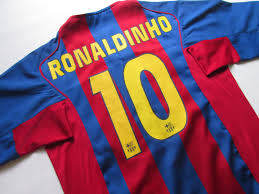 Barcelona 2004/2005 home football shirt Ronaldinho