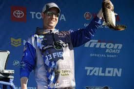 Austin Felix: Targeting individual fish in a tournament | Bassmaster