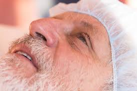skin tag removal is dangerous around the eyes