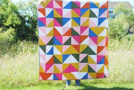 grace and light: HALF SQUARE TRIANGLE QUILT & HALF SQUARE TRIANGLE QUILT Adamdwight.com