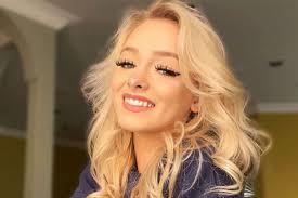 Tiktok star zoe laverne revealed she is pregnant. Tiktok Star Zoe Laverne 19 Hits Out At Rumor She Was Arrested For Kissing Fan 13