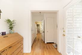 Ein schön gestaltetes treppenhaus wirkt freundlich und einladend. Wie Soll Man Den Flur Gestalten Zuhause Bei Sam