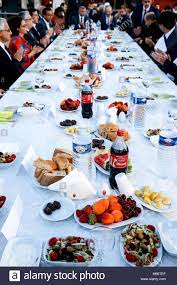 Ramadan iftar (Abendessen) in Paris, Frankreich Stockfotografie - Alamy