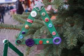 Kita Kinder Schmücken Weihnachtsbaum Auf Refrather