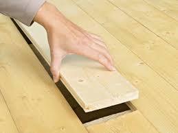 how to fix loose hardwood floor boards besteetplan how to fix wood floors separating