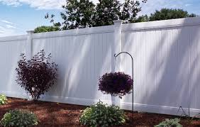 white fence. 6\u0027 Tall White Vinyl Fence