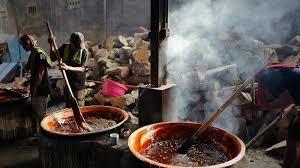 Sebelum menjadi keras, dodol cina atau kue bulan ini khas imlek bisa disajikan secara langsung pada acara lebaran. Inilah Kue Keranjang Nyonya Lauw Banyak Dicari Jelang Tahun Baru Imlek Tribun Travel