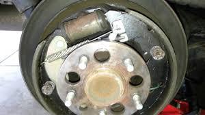 2001 Toyota Sienna - Adjusting rear brake shoes parking brake ...