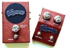 pedals the piggy in a box unit puts the 30 year veteran pignose 7 100 amplifier circuit into a stomp box