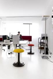 yellow office decor. Simple And Neat Office Interior Design Ideas : Astonishing For Decorating Using Yellow Decor