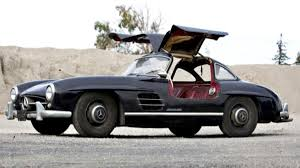 Unrestored Gullwing fetches $400K more than restored one | Autoweek