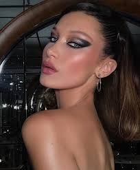 bella hadid s dramatic cat eye cardi b s violet lockore of this week s best beauty moments on insram