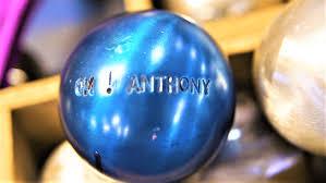 boule bleue découvrez la plus vieille fabrique de boules de pétanque au monde