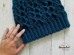 honeycomb cabled beanie free crochet pattern