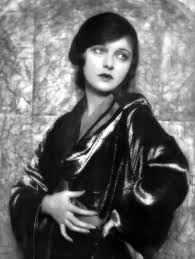 Corinne Mae Griffith | Corinne, Black and white movie, Old hollywood