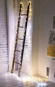10 ý tưởng trang trí giáng sinh phòng ngủ với đèn led