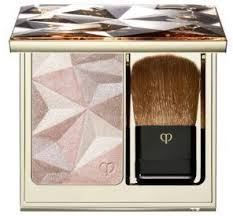 cle de peau beaute luminizing face enhancer this exquisite highlighting powder uses innovative light diffusing