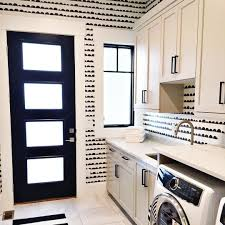 Laundry Room Wallpaper Designs Love This Fun Laundry Room Done By Erinhansendesign The