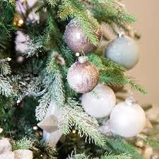 Mit Diesen Weihnachtlichen Kugeln In Elegantem Altrosa Könnt