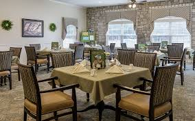 bread basket dining room