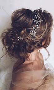 20 most romantic bridal updos wedding hairstyles to inspire your big day wedding hairstyles wedding hairstyles bridal hair romantic bridal updos