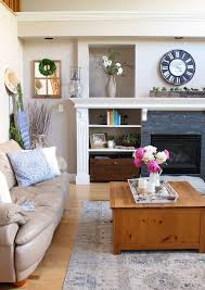 modern farmhouse summer living room