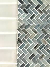 cutting glass tile with a wet saw cutting glass mosaic tile if anyone has any thoughts cutting glass tile with a wet saw