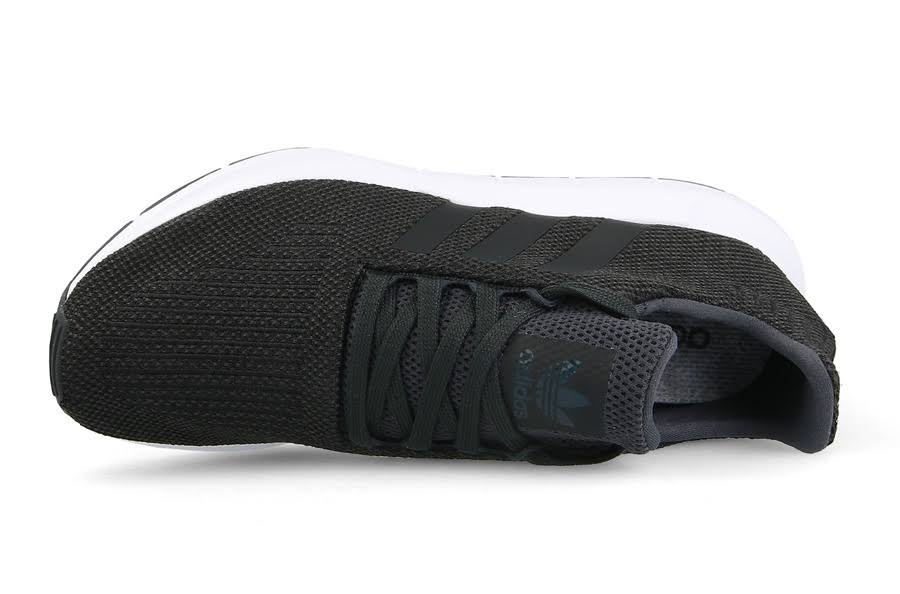 Black carbon Adidas Men's Shoes coreblack Cq2114 Swift Sneakers Originals mediumgreyheather Run 8xB0x